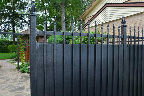 Privacy aluminum fence